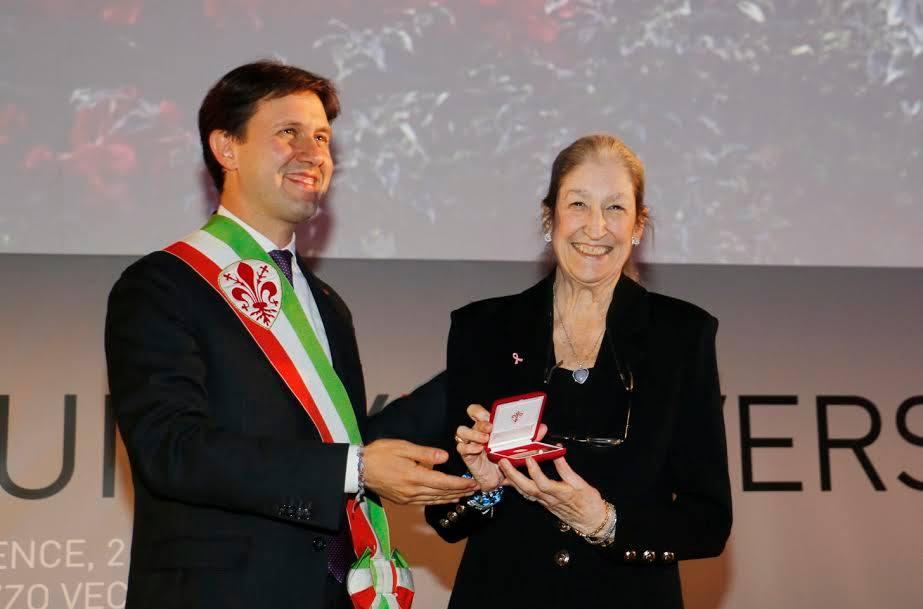 Jane Fortune honored by Florence Mayor Dario Nardella