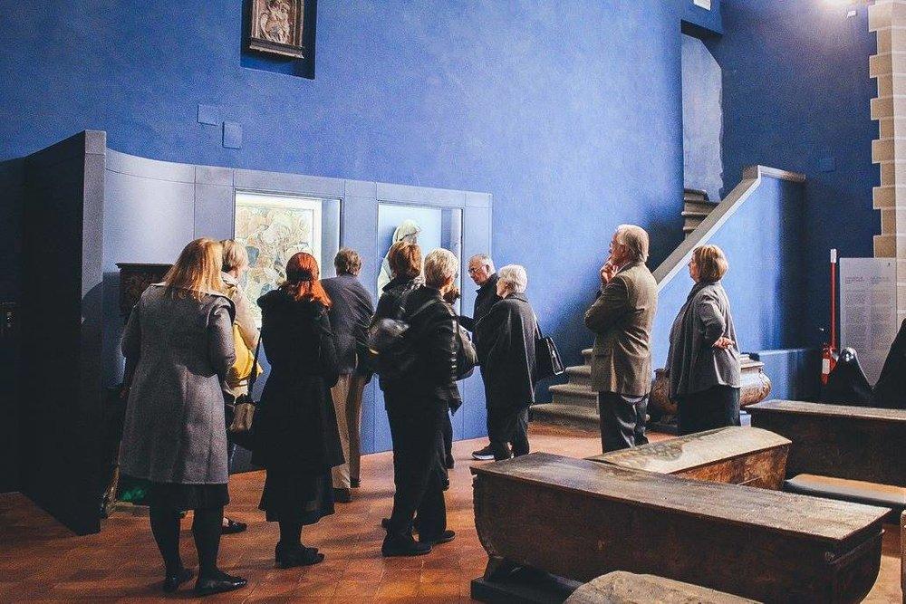 """Partecipanti al soggiorno di AWA al Museo Bardini di Firenze     Normal   0       14       false   false   false     IT   X-NONE   X-NONE                                                                                                                                                                                                                                                                                                                                                                          /* Style Definitions */  table.MsoNormalTable {mso-style-name:""""Tabella normale""""; mso-tstyle-rowband-size:0; mso-tstyle-colband-size:0; mso-style-noshow:yes; mso-style-priority:99; mso-style-qformat:yes; mso-style-parent:""""""""; mso-padding-alt:0cm 5.4pt 0cm 5.4pt; mso-para-margin-top:0cm; mso-para-margin-right:0cm; mso-para-margin-bottom:10.0pt; mso-para-margin-left:0cm; line-height:115%; mso-pagination:widow-orphan; font-size:11.0pt; font-family:""""Calibri"""",""""sans-serif""""; mso-ascii-font-family:Calibri; mso-ascii-theme-font:minor-latin; mso-fareast-font-family:""""Times New Roman""""; mso-fareast-theme-font:minor-fareast; mso-hansi-font-family:Calibri; mso-hansi-theme-font:minor-latin;}       Normal   0       14       false   false   false     IT   X-NONE   X-NONE                                                                                                                                                                                                                                                                                                                                                                          /* Style Definitions */  table.MsoNormalTable {mso-style-name:""""Tabella normale""""; mso-tstyle-rowband-size:0; mso-tstyle-colband-size:0; mso-style-noshow:yes; mso-style-priority:99; mso-style-qformat:yes; mso-style-parent:""""""""; mso-padding-alt:0cm 5.4pt 0cm 5.4pt; mso-para-margin-top:0cm; mso-para-margin-right:0cm; mso-para-margin-bottom:10.0pt; mso-para-margin-left:0cm; line-hei"""