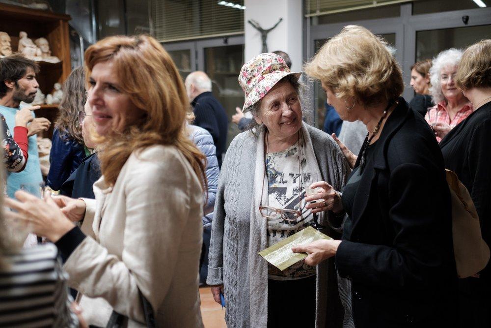 Amalia Ciardi Duprè alla presentazione della mostra che l'ha vista esporre insieme all'artista del vetro Ita Barbini