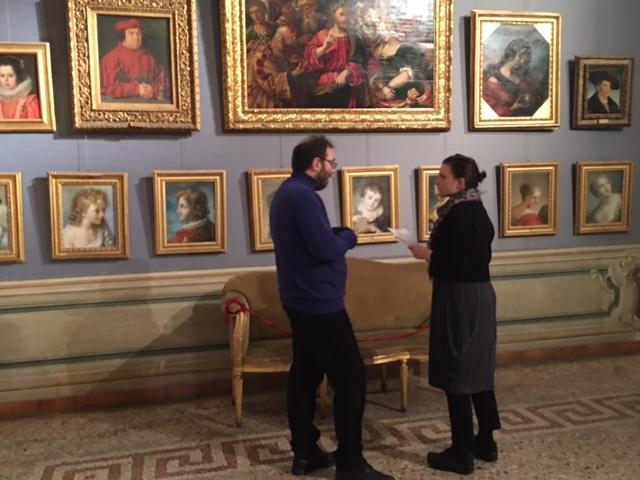 La studiosa Poiret Masse alla ricerca di opere di Violante Siriès Cerroti a Palazzo Corsini a Roma