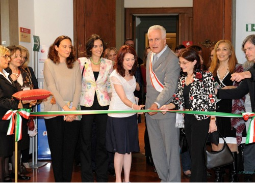 The-ribbon-cutting-ceremony-with-Regional-Council-President-and-AWA's-Director-Italy_BOX.jpg