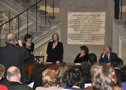Invisible Women presented at the Uffizi Library.JPG