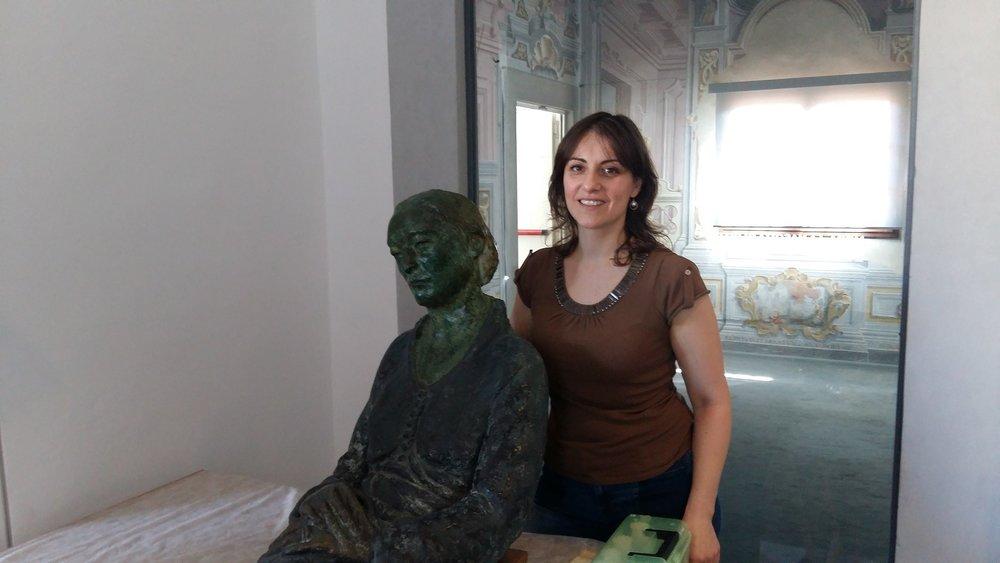 La curatrice Merj Nesi alla vigilia dell'esposizione permanente della scultura al museo