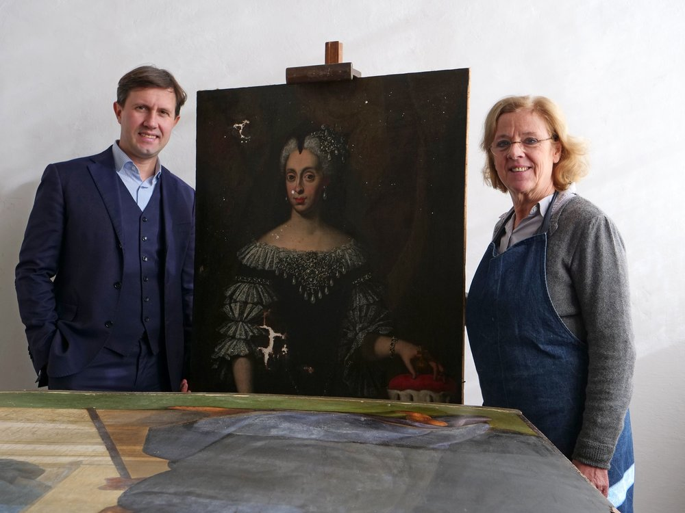 Conservator Rossella Lari with our painting and Florence Mayor Dario Nardella at the studio