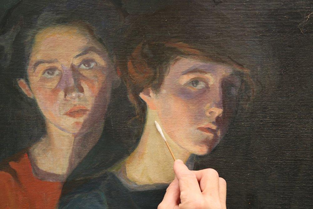 La pulitura de Le Tre Sorelle, il volto di Elisabeth