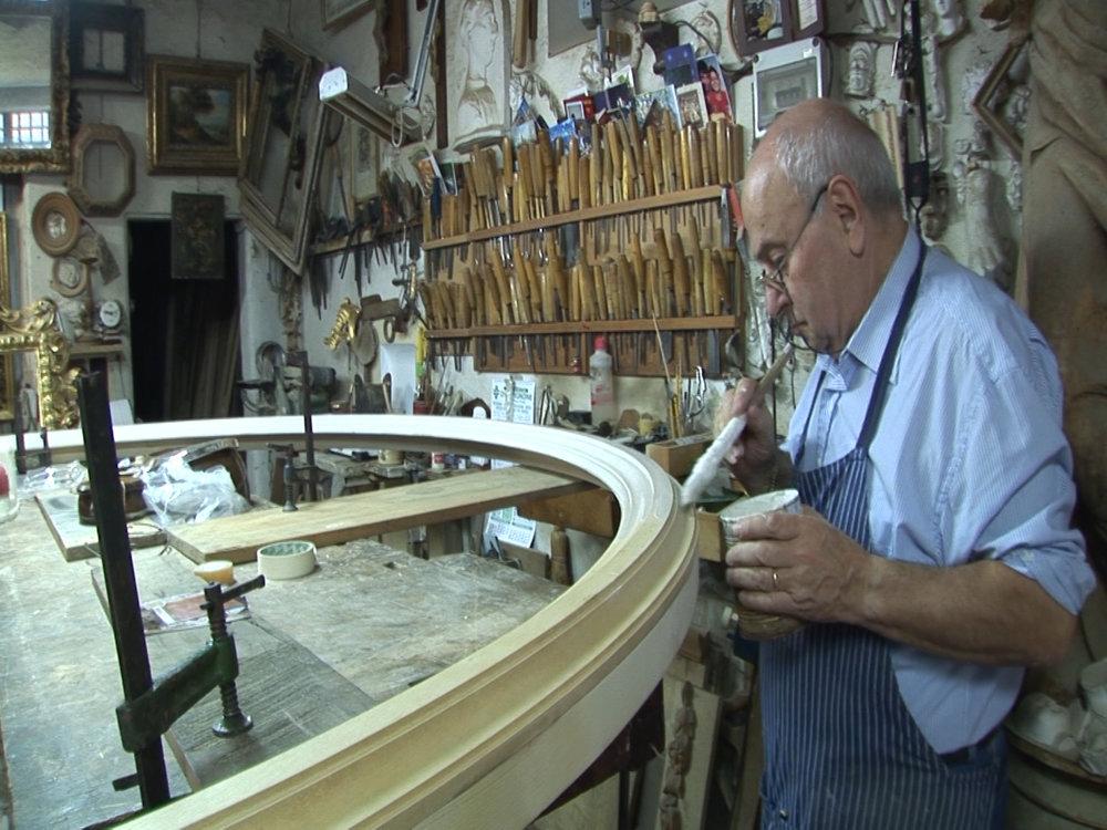 AWA lavora con il corniciaio fiorentino Luigi Mecocci per il San Domenico di Nelli.