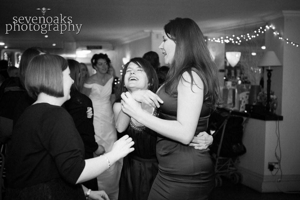 Sevenoaks documentary wedding photographer-19.jpg