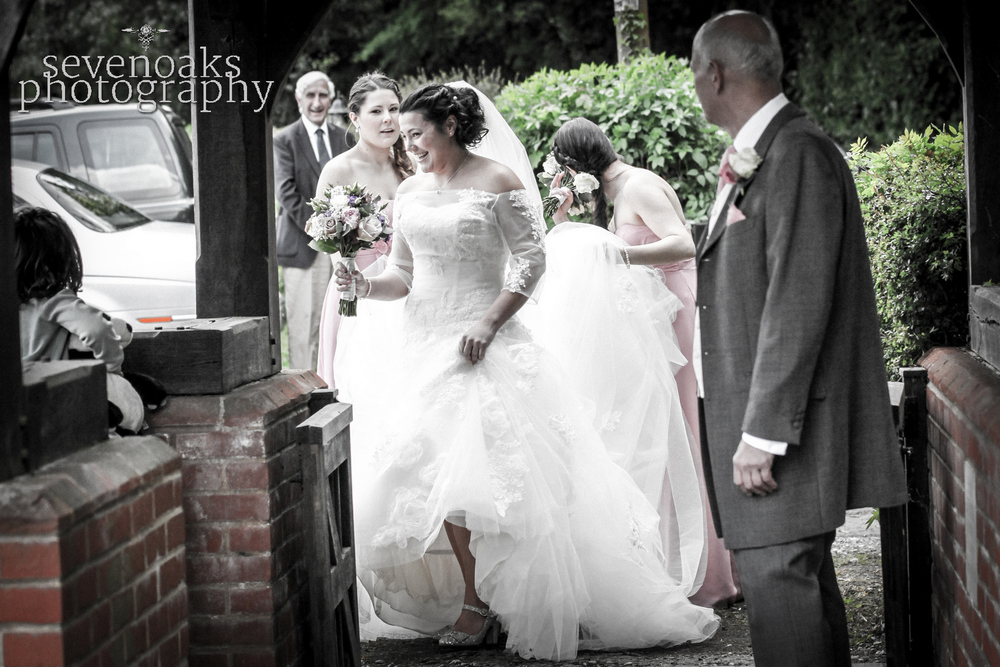 Sevenoaks documentary wedding photographer-78.jpg