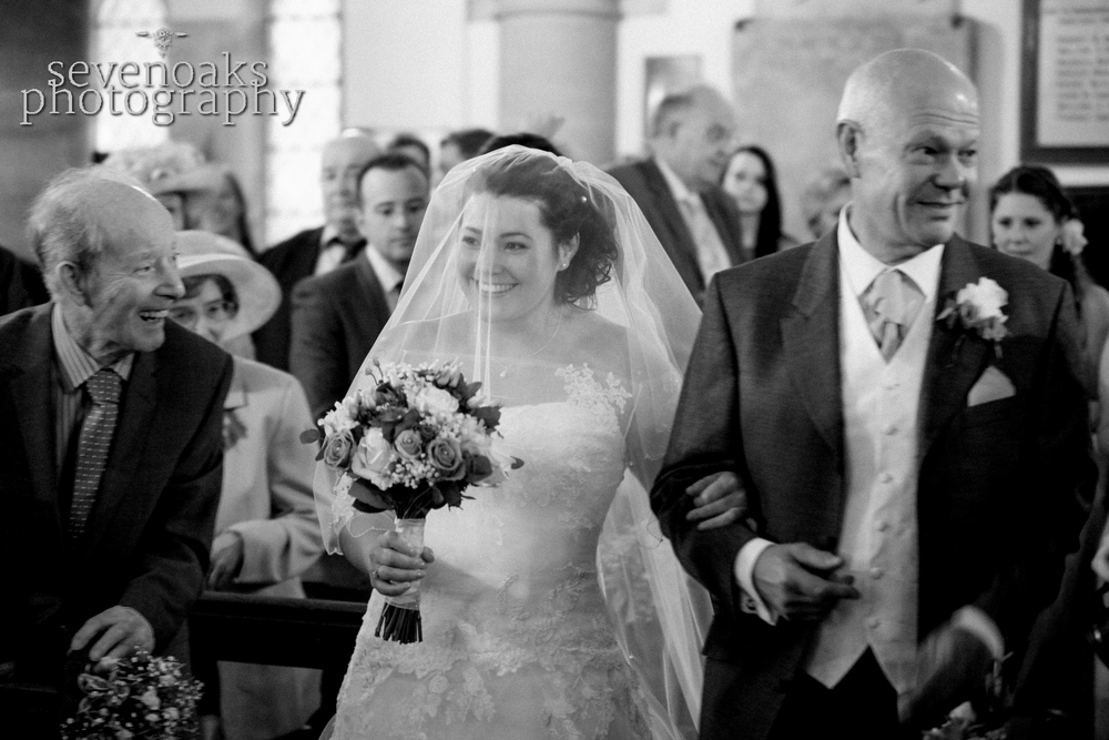 Sevenoaks documentary wedding photographer-84.jpg