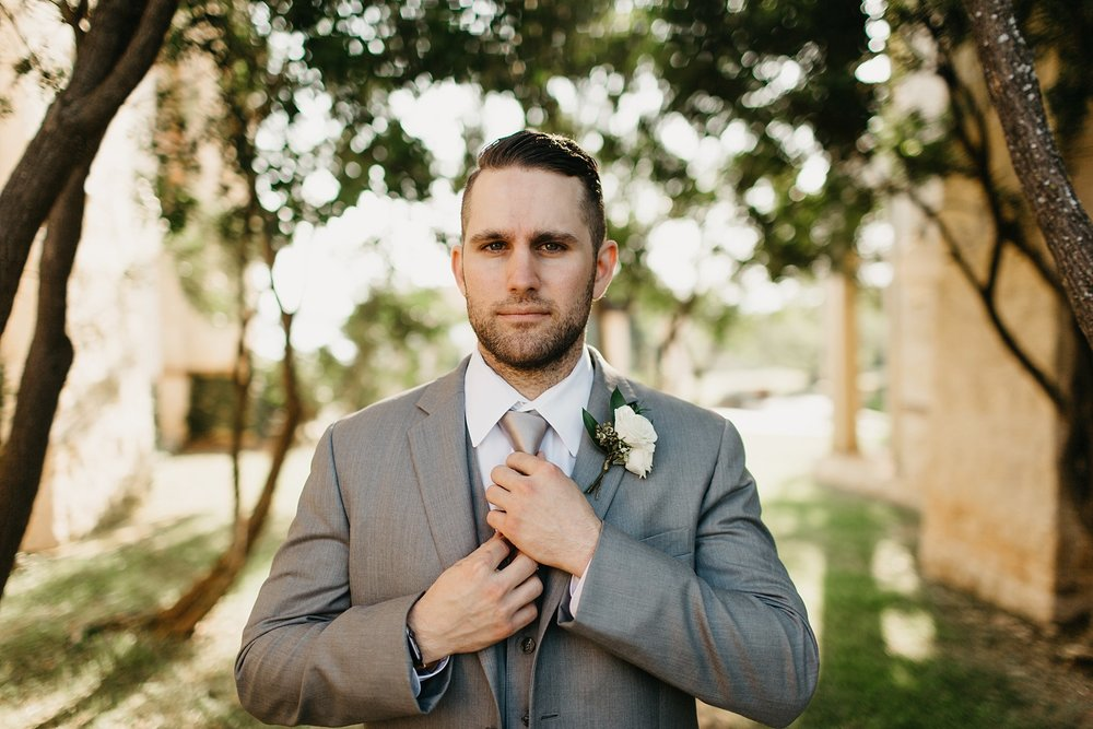 Wilderlove Co_Austin Texas_Vintage Villas Hotel_Wedding Photography_0028.jpg