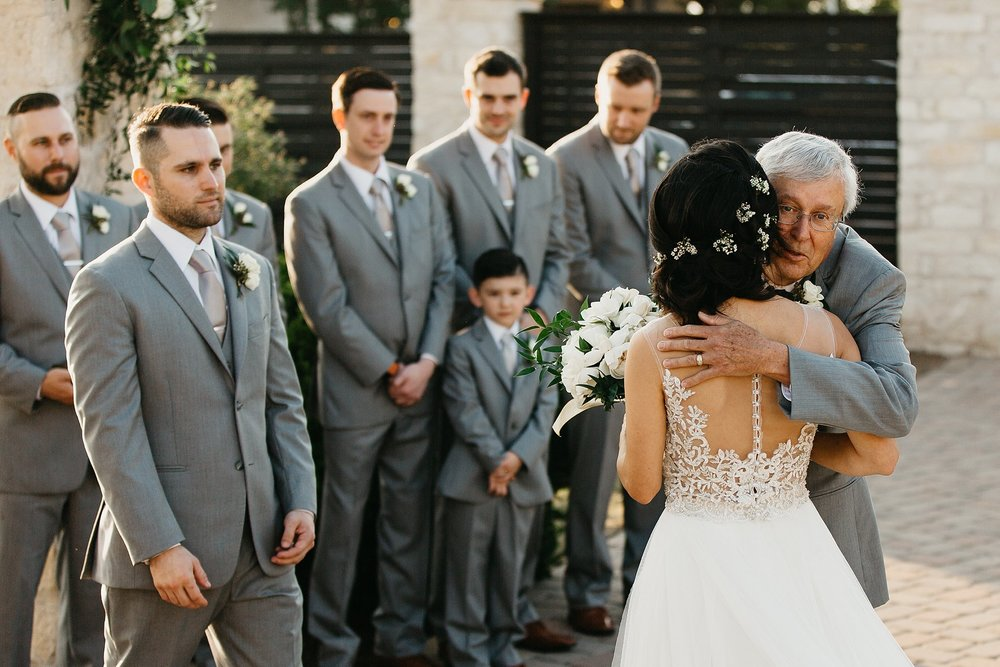 Wilderlove Co_Austin Texas_Vintage Villas Hotel_Wedding Photography_0035.jpg
