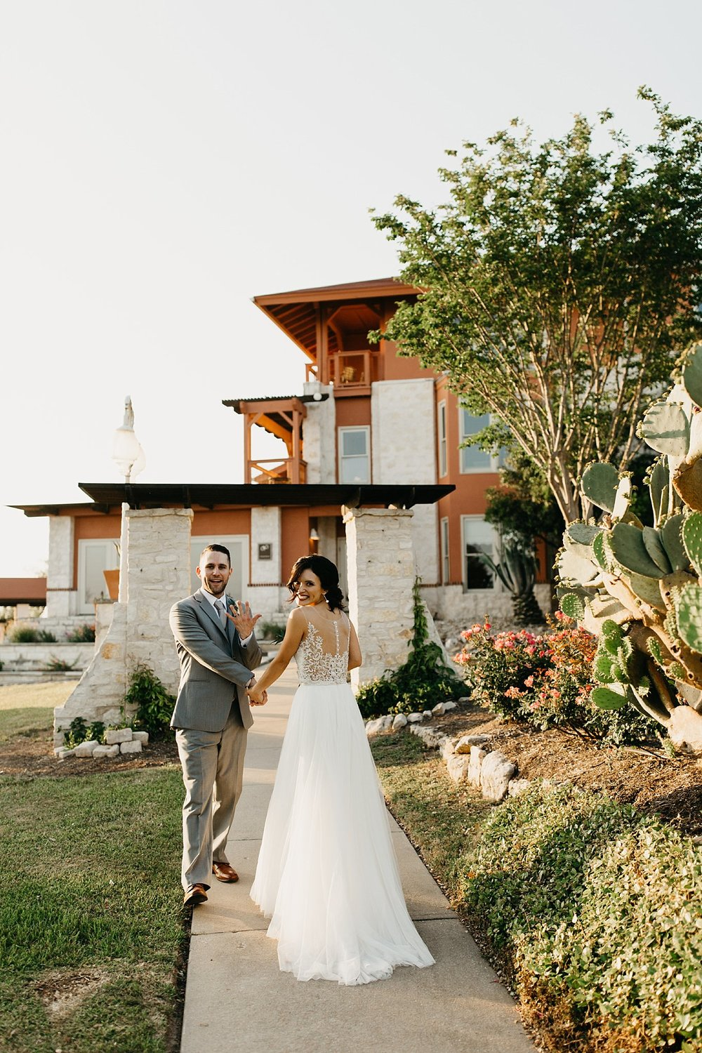 Wilderlove Co_Austin Texas_Vintage Villas Hotel_Wedding Photography_0042.jpg