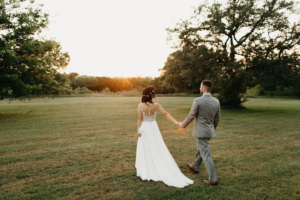 Wilderlove Co_Austin Texas_Vintage Villas Hotel_Wedding Photography_0049.jpg