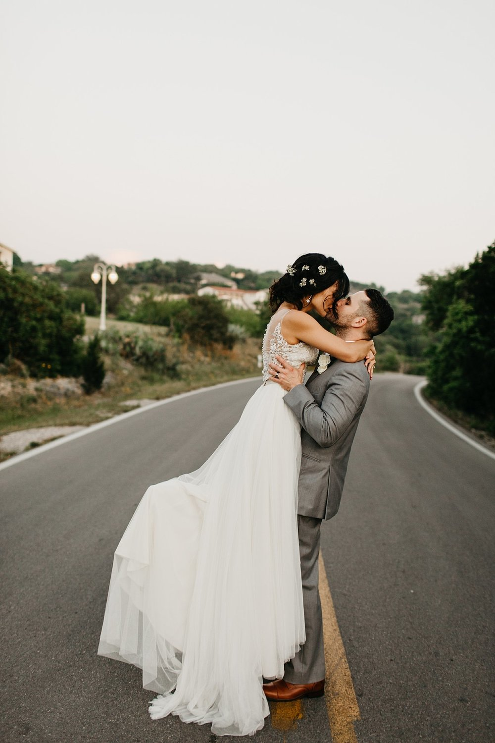 Wilderlove Co_Austin Texas_Vintage Villas Hotel_Wedding Photography_0054.jpg