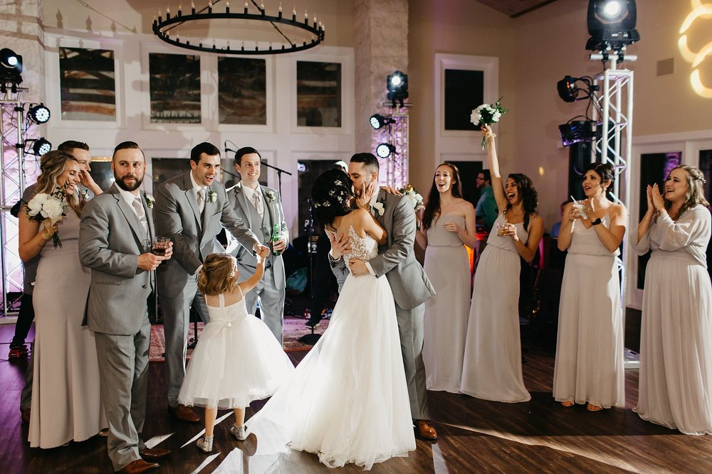 Wilderlove Co_Austin Texas_Vintage Villas Hotel_Wedding Photography_0056.jpg