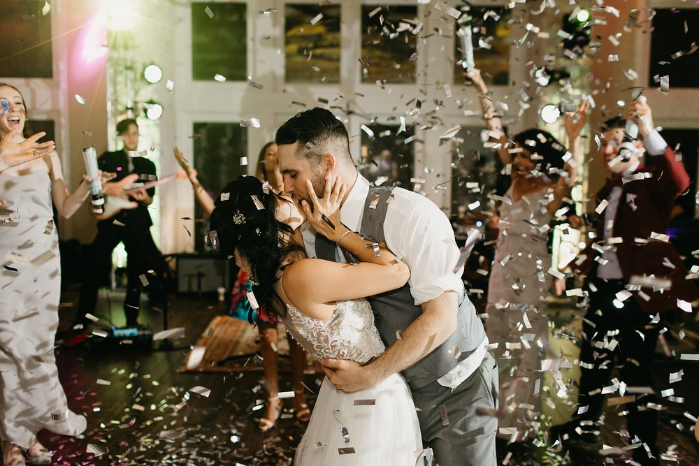 Wilderlove Co_Austin Texas_Vintage Villas Hotel_Wedding Photography_0071.jpg