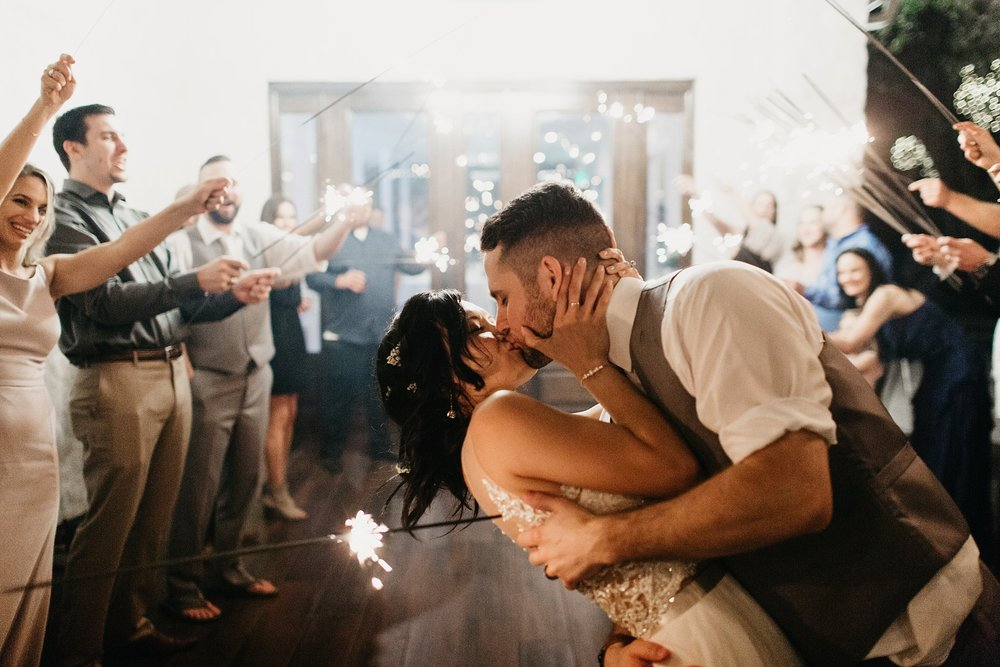 Wilderlove Co_Austin Texas_Vintage Villas Hotel_Wedding Photography_0073.jpg