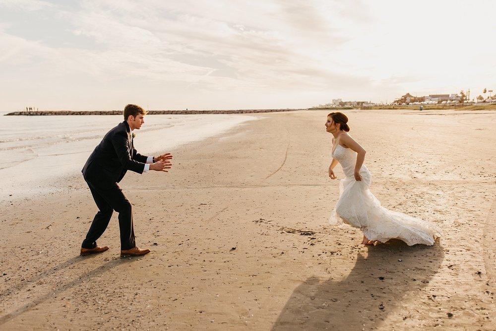 Wilderlove Co_GalvestonTexas_Garten Verein_Beach Wedding Photography_0070.jpg