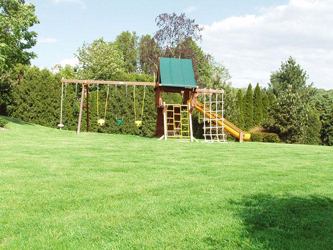 elmbrook-lawn-1.jpg