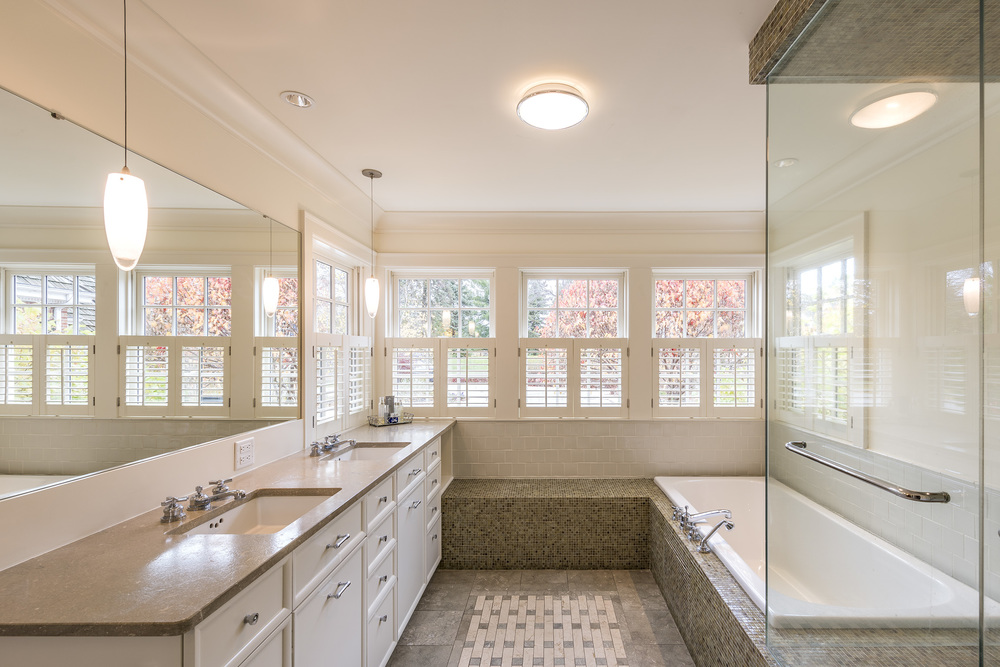 LLake-Bathroom-Large.jpg