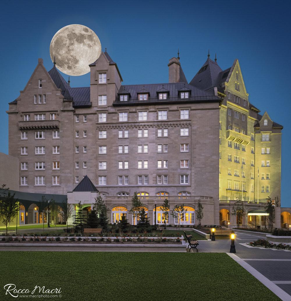 Hotel MacDonald-super moon-Global News©.jpg