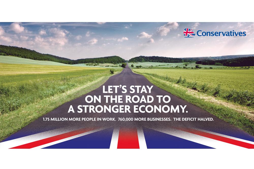 »The Road« Leitmotiv für UK Premier David Cameron ´s Plakat zur UK Wahlkampagne 2015 - Bild lizenziert bei Gettyimages