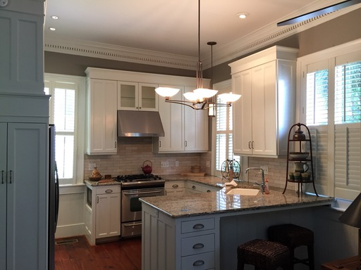 Great updated kitchen with granite counters & stainless steel appliances