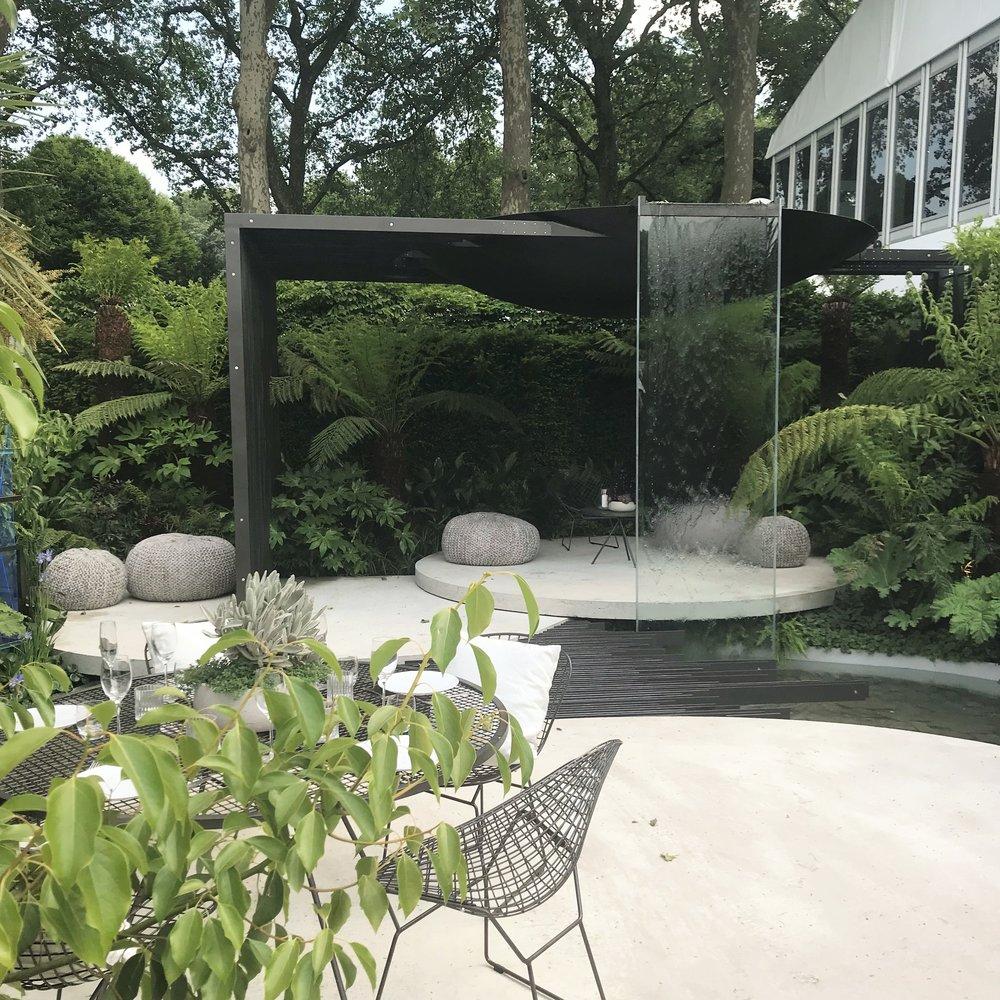 In situ concrete cast into circular patios, Designer: Stuart Charles Towner. Image: Lorraine Young/Verve Garden Design.
