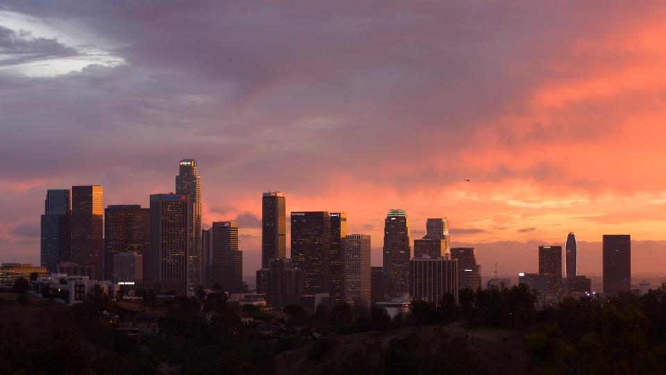 LA_sunset_24P_01A pan - copter_THUMB.jpg