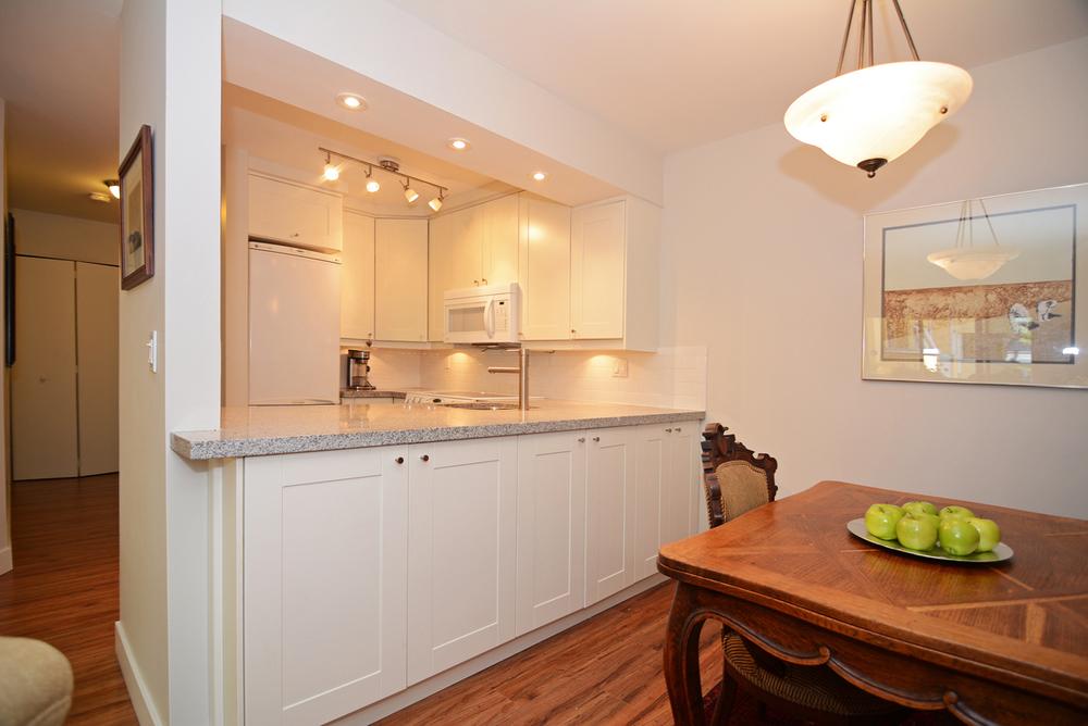 Kitchen&Dining.jpg