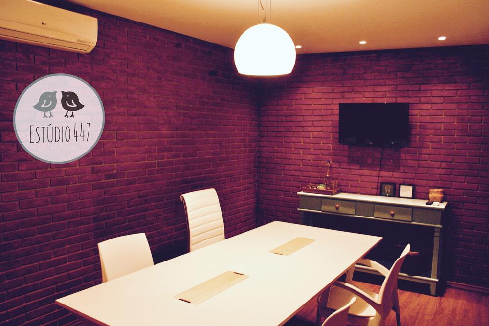 Sala de reunião do Estúdio447 Coworking Moema
