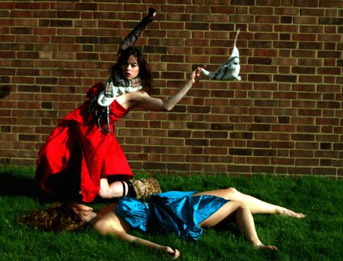 © Rachel Cherry. dancers: Pauline Huguet, Mirjam Gurtner