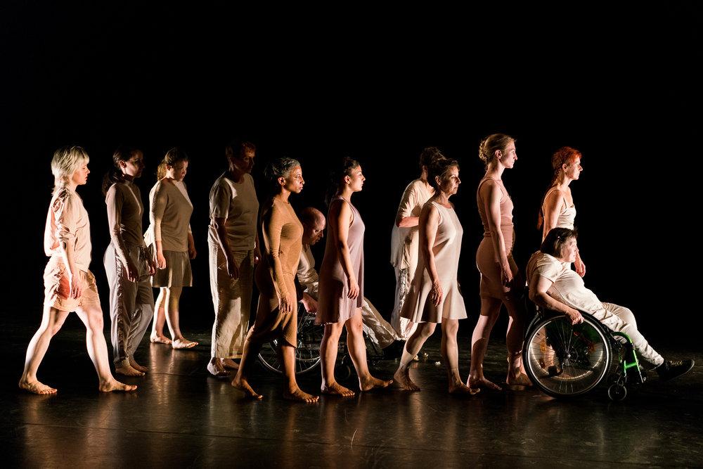 © Sabine Burger. dancers: BewegGrund