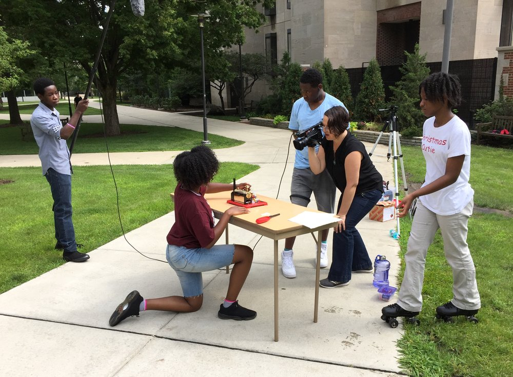 20170727 Summer Students Making Energy Videos 01.JPG
