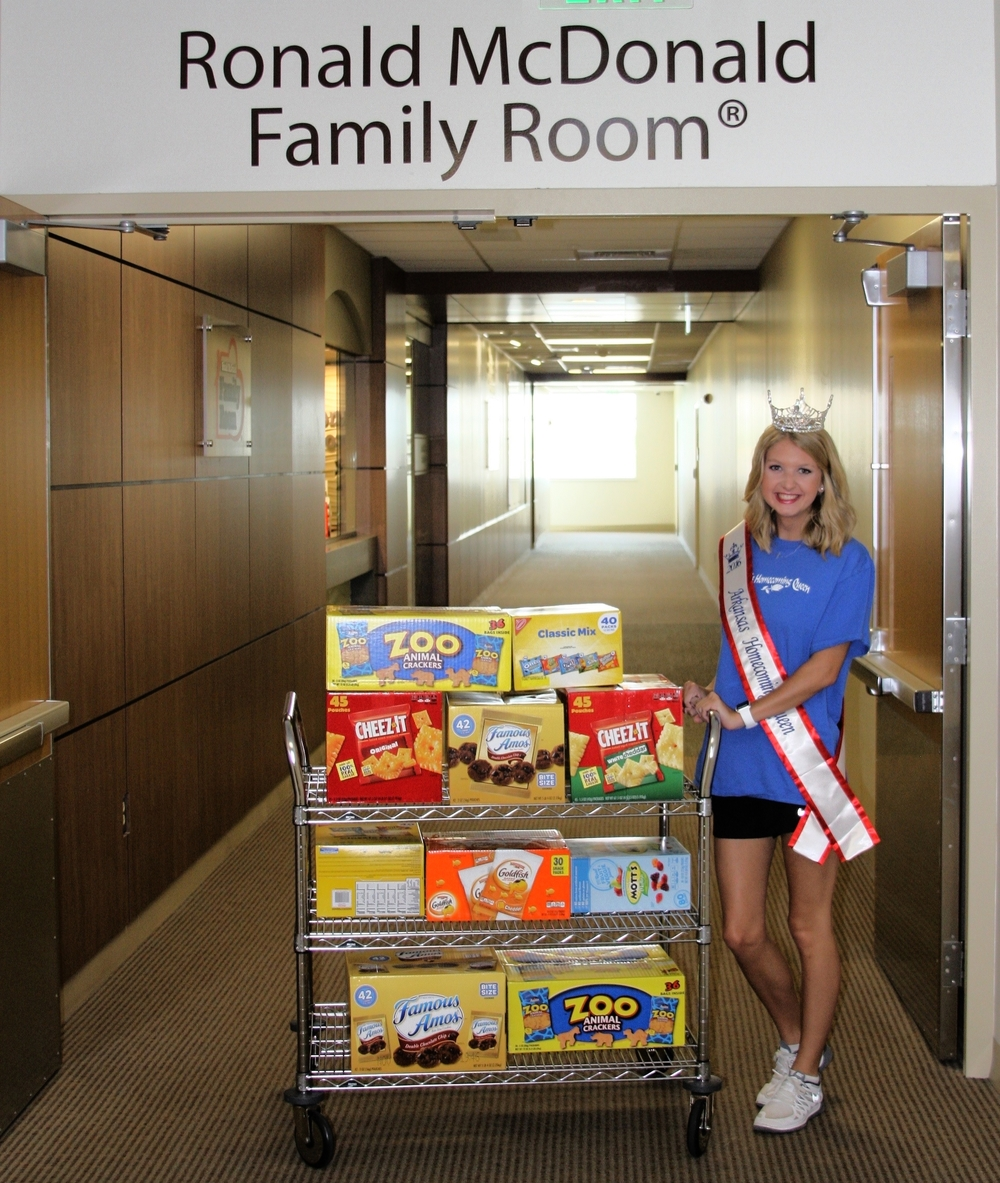 Recently crowned 2016 Arkansas Homecoming Queen Mariel Van Horn came by the NWA Family Room last week with a cart full of donations! Thank you Mariel!!