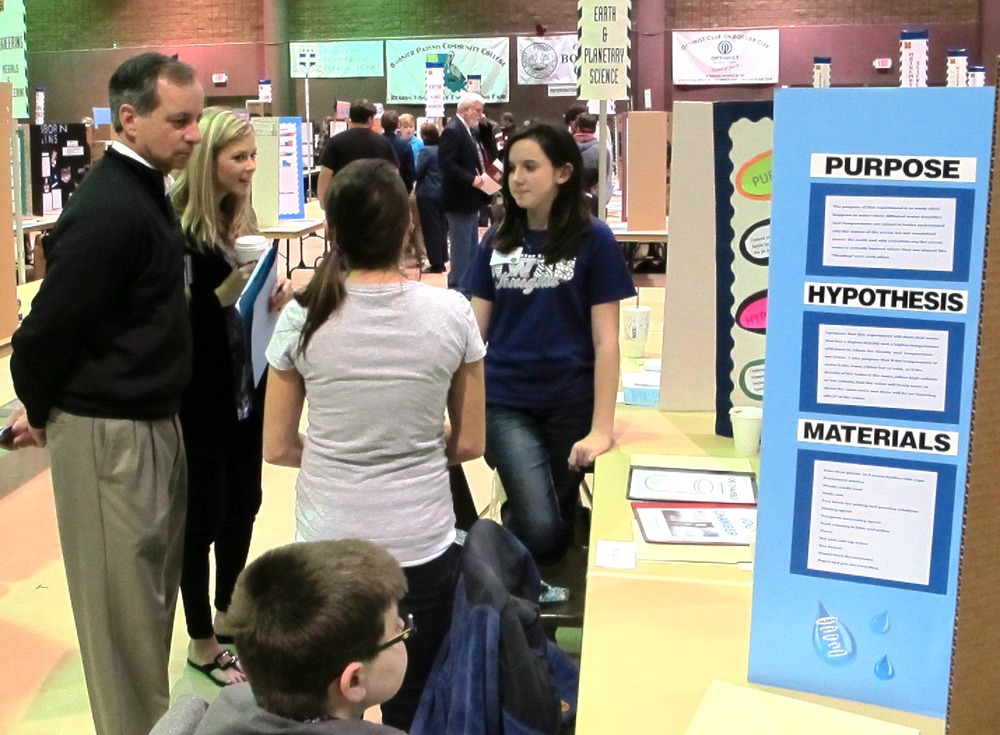 Shreveport Geological Society volunteers judged projects at the Regional Science Fair in 2014.