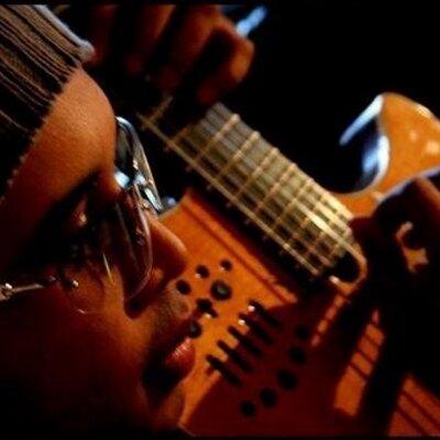 sander-pinheiro-guitar-triborecords