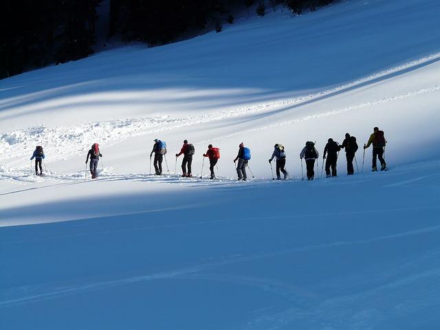 ski-tour-16154_640.jpg