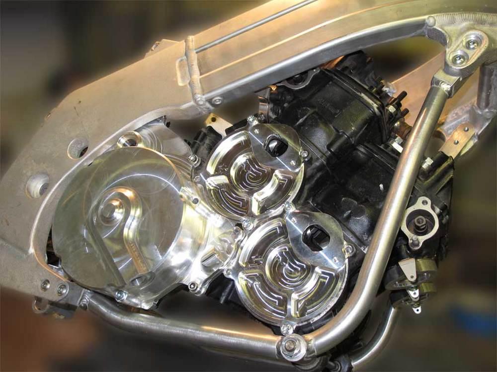 RGV250500 Engine Frame.jpg