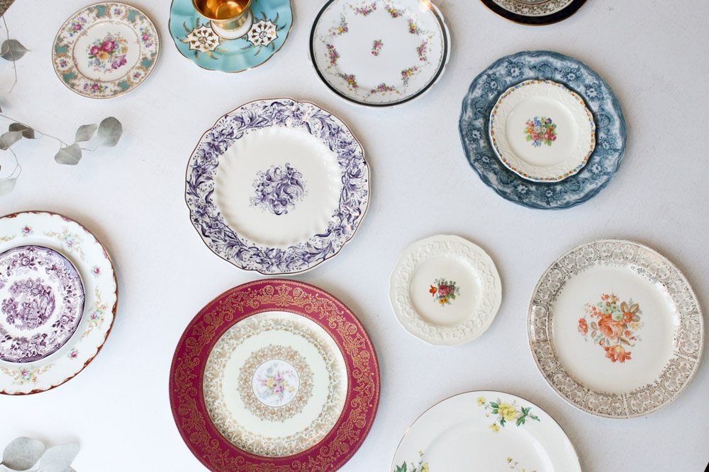 bold colors classic china collection mixed southern vintage rental.jpg  sc 1 st  Southern Vintage & Southern VintageVintage ChinaClassic Collection. Bold Plates