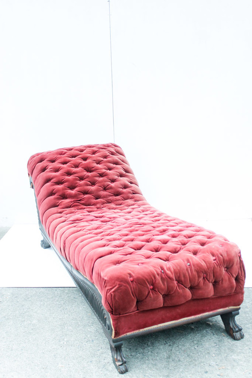 chaise scarlet southern vintage rentaljpg - Chaise Vintage