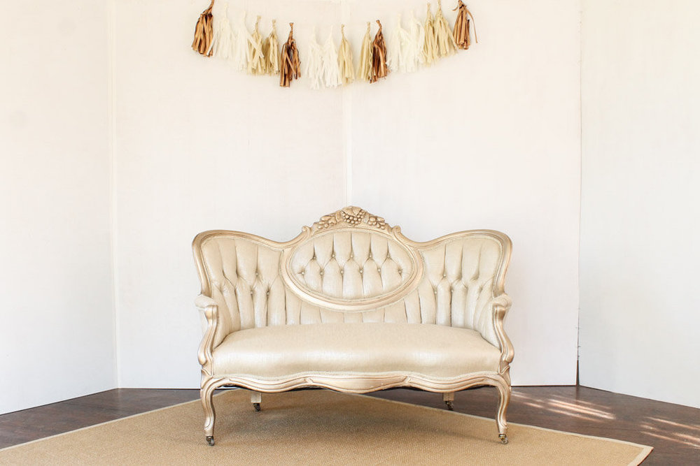 gold+cameo+settee++southern+vintage+rental.jpg