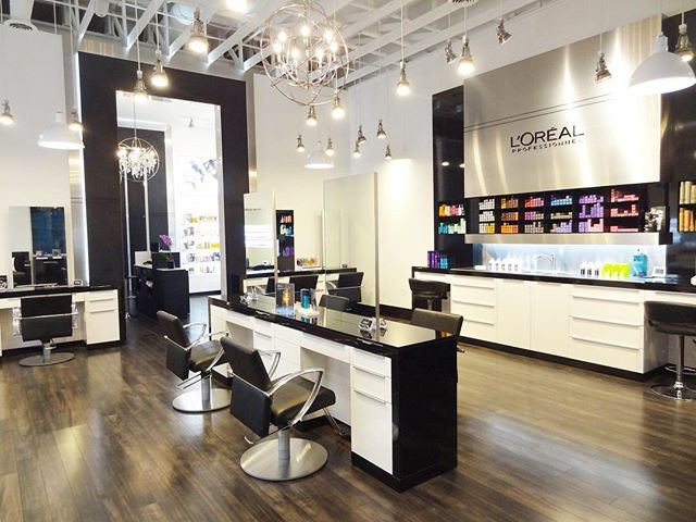 The gorgeous Jay Michaels salon in Des Moines, IA... with it's beautiful LP color lab and minimalist floating stations⠀ ⠀ ⠀ #lorealprofessionnel  #millarddesign #millardcollection #nyc #newyork #newyorkcity  #americansalon #behindthechair_com #americansalon #modernsalon #beautylaunchpad #saloncentric #hair #salon #salondesign #salonstyle #stylist #hairstylist #interiordesign #hairsalondesign #hairsalon #design #love #blackandwhite #interiordesign #renovation #hairstyles #inspiration #designer #interiordesigner