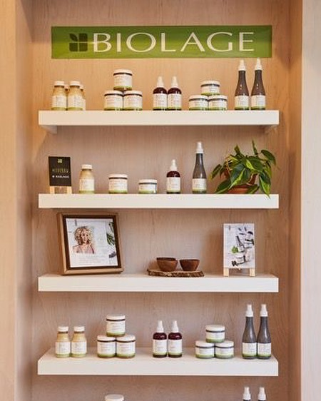 Beautiful Biolage retail at the RAW flagship in New York City⠀ ⠀ ⠀ #biolage  #millarddesign #millardcollection #nyc #newyork #newyorkcity  #americansalon #behindthechair_com  #modernsalon #beautylaunchpad #saloncentric #hair #salon #salondesign #salonstyle #stylist #hairstylist #interiordesign #hairsalondesign #hairsalon #design #love #blackandwhite #interiordesign #renovation #hairstyles #inspiration #designer #interiordesigner