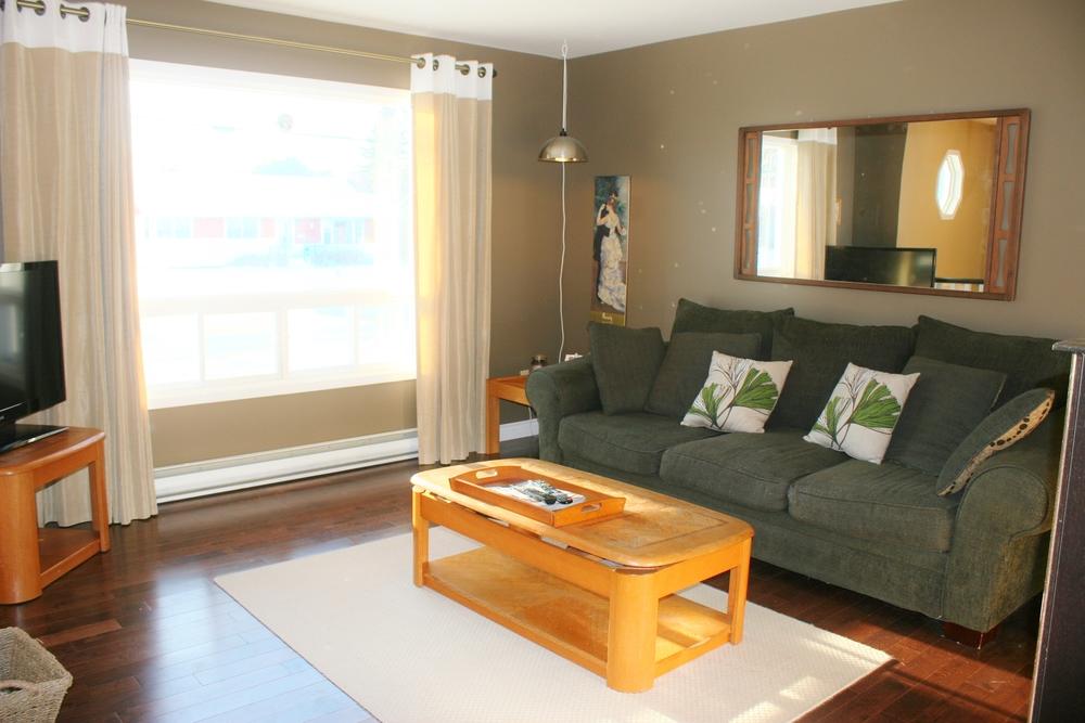 Living Room Newcastle for sale - 562 newcastle blvd, miramichi, nb canada — hi, love