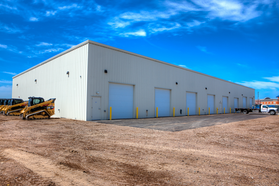Additional stand-alone garage of Lincoln Contractor Supply in Weston, Wisconsin.