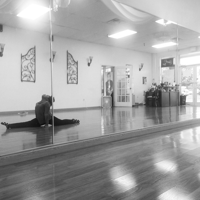 SDP student Jayla- stretching during a private lesson