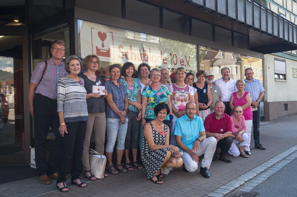 Komitee des Kirchenbezirks und das Team der Schublade 10.