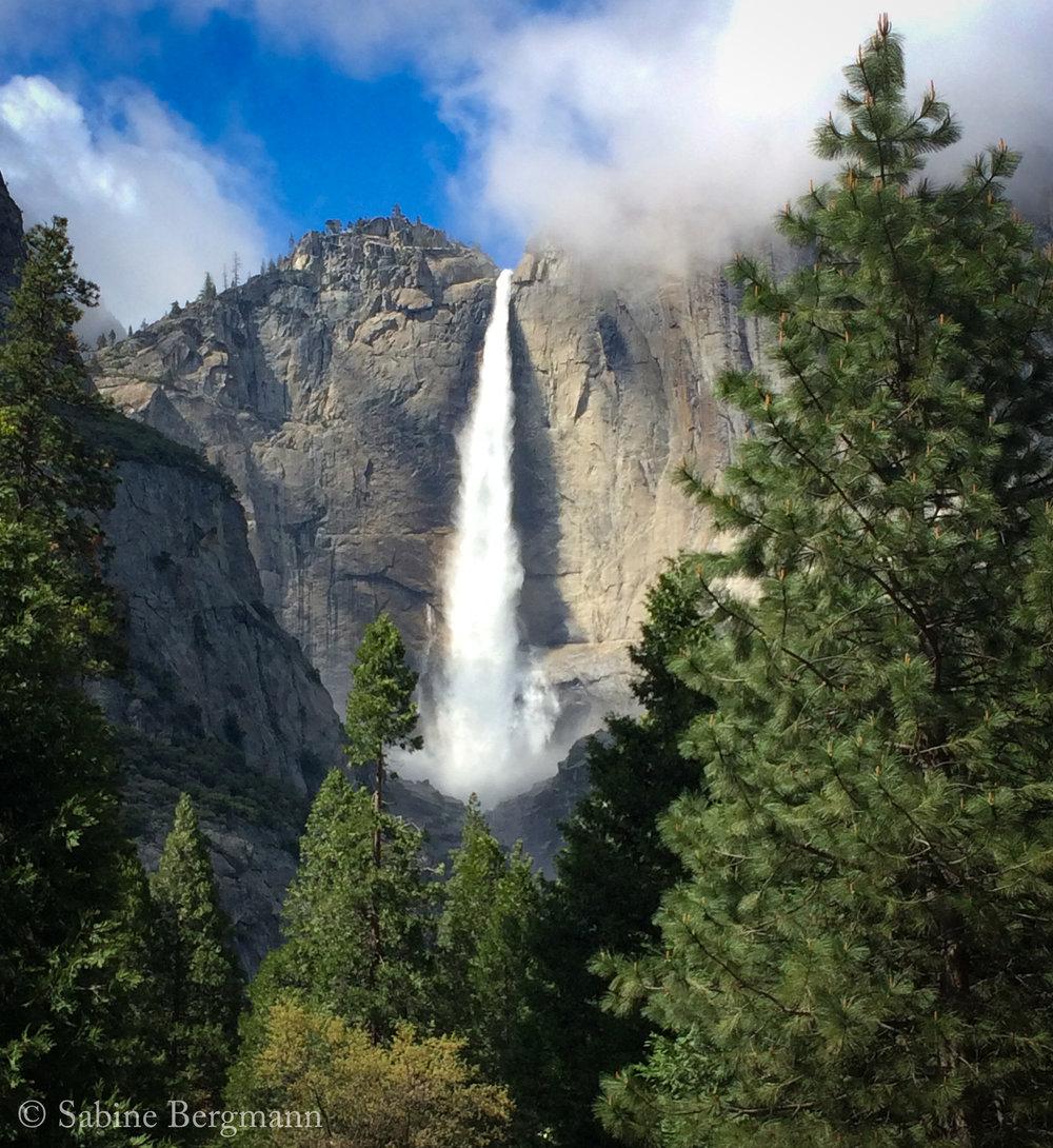 Bergmann Sample 4 Yosemite Waterfall.jpg