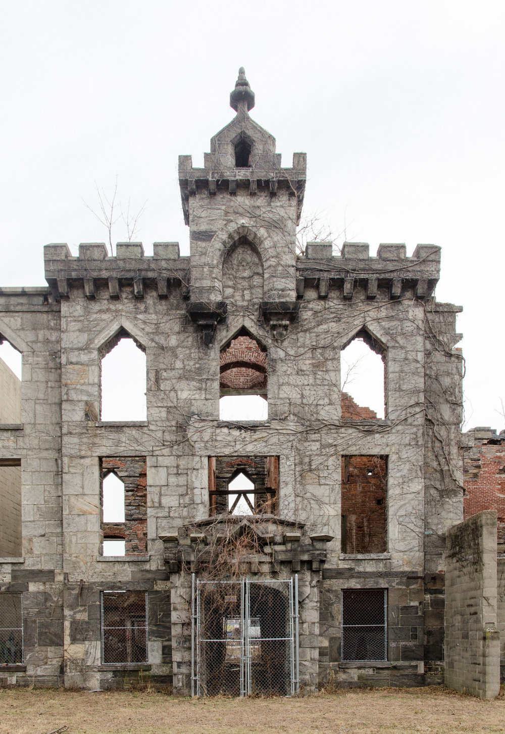Abandoned Smallpox Hospital from 1856 on Roosevelt Island, NYC.